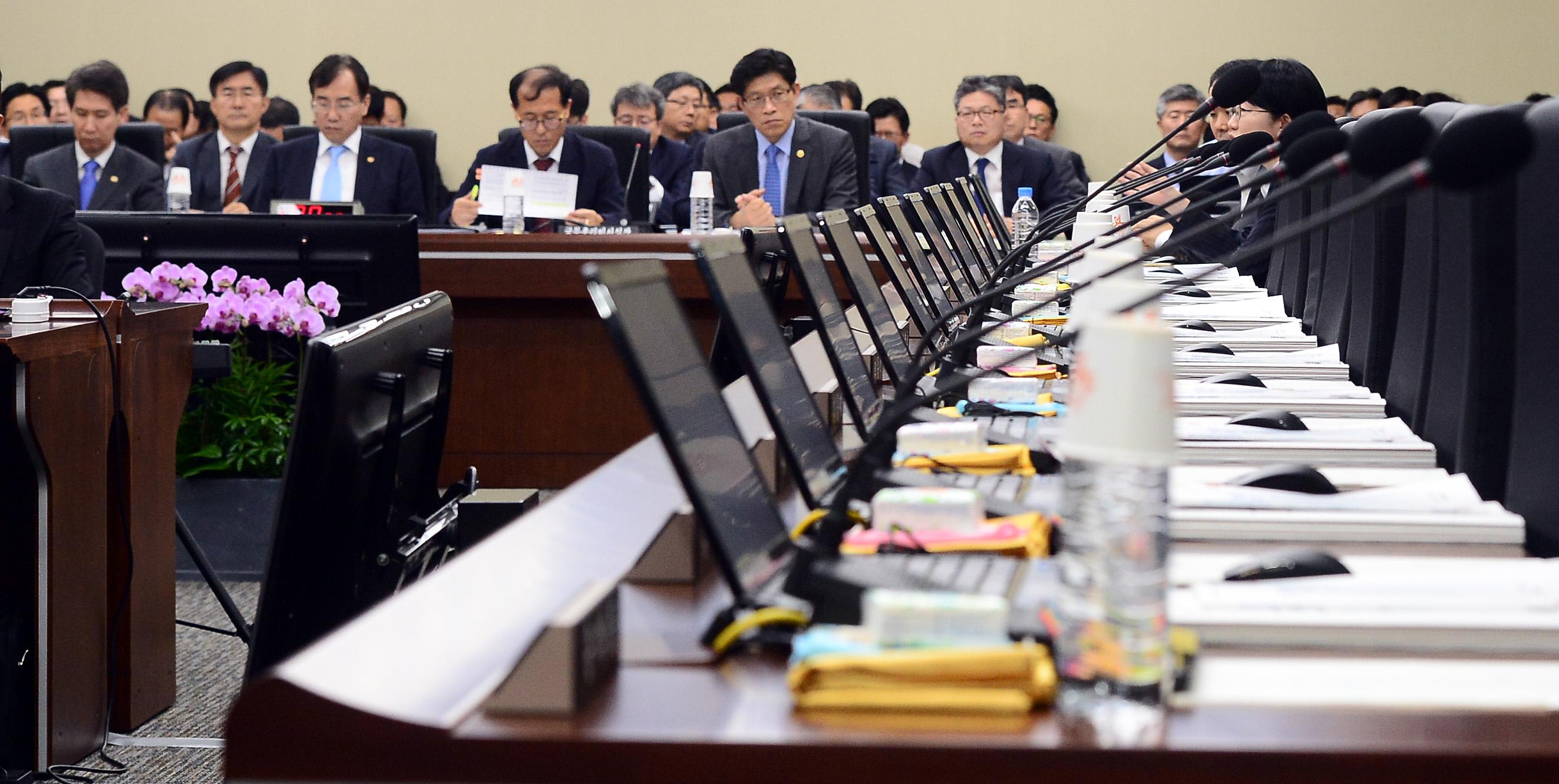 비어있는 새누리당 의원들 자리 <사진=뉴스1>