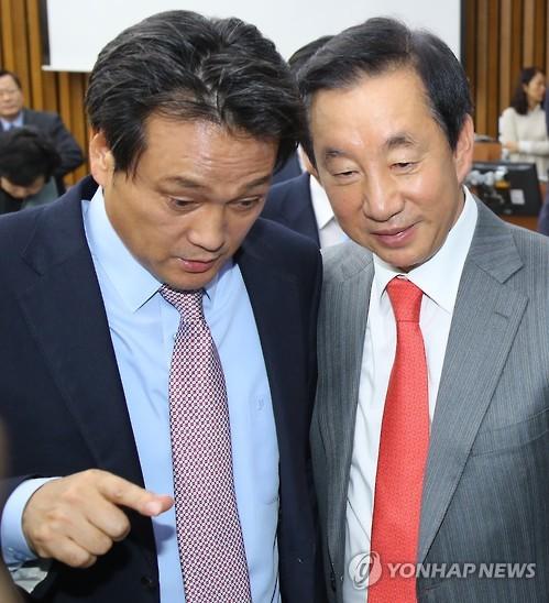 안민석의원과 김성태의원(출처=연합뉴스)