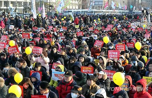 16차 박근혜 대통령 탄핵 촉구 촛불집회 현장<사진=연합뉴스>