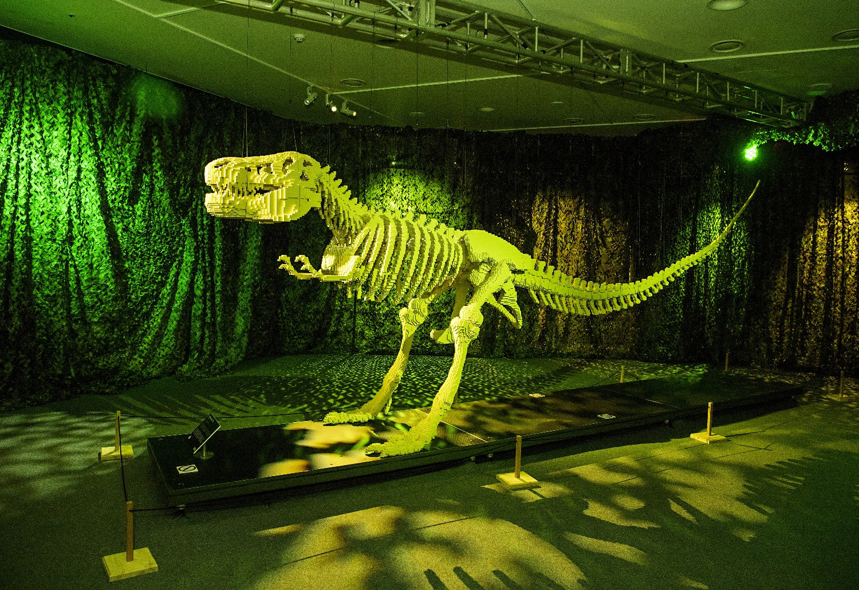 8만 개 레고 브릭으로 만든 '공룡'(디 아트 오브 더 브릭)
