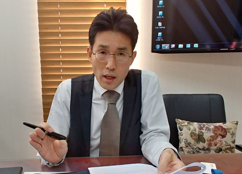 신해철씨 유족 법률대래인 박호균 변호사