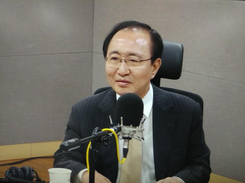 tbs라디오 '김어준의 뉴스공장' 출연한 노회찬 정의당 원내대표