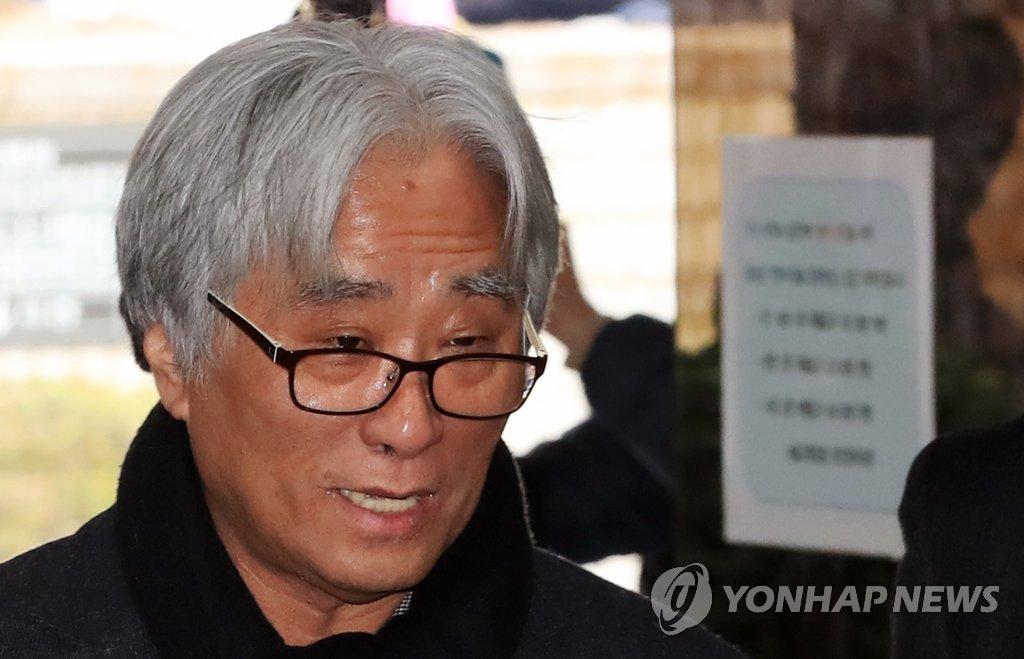 Stage director Lee Youn-taek