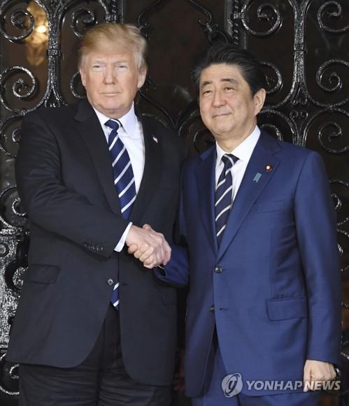 도널드 트럼프 미국 대통령과 아베 신조 일본 총리 <사진=연합뉴스>