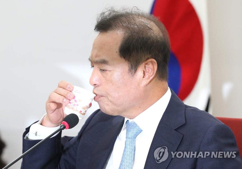 김병준 혁신비대위원장<사진=연합뉴스>