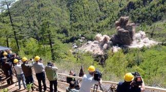 지난 5월 북한 풍계리 핵실험장 폐기 장면 <사진=연합뉴스>