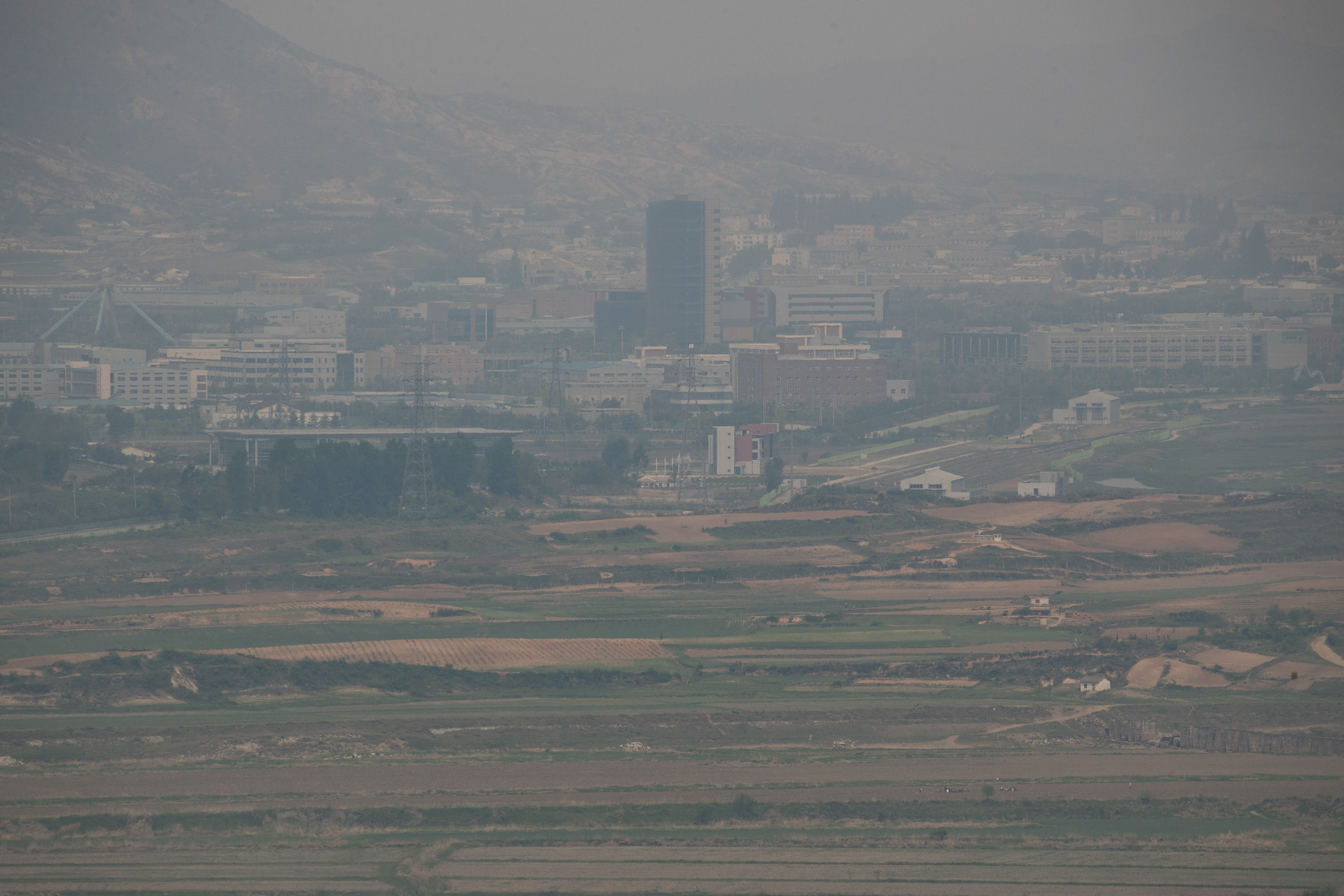Kaesong Industrial Complex seen from Paju, Gyeonggi Province on May 15th, 2019. <Photo: Yonhap News>