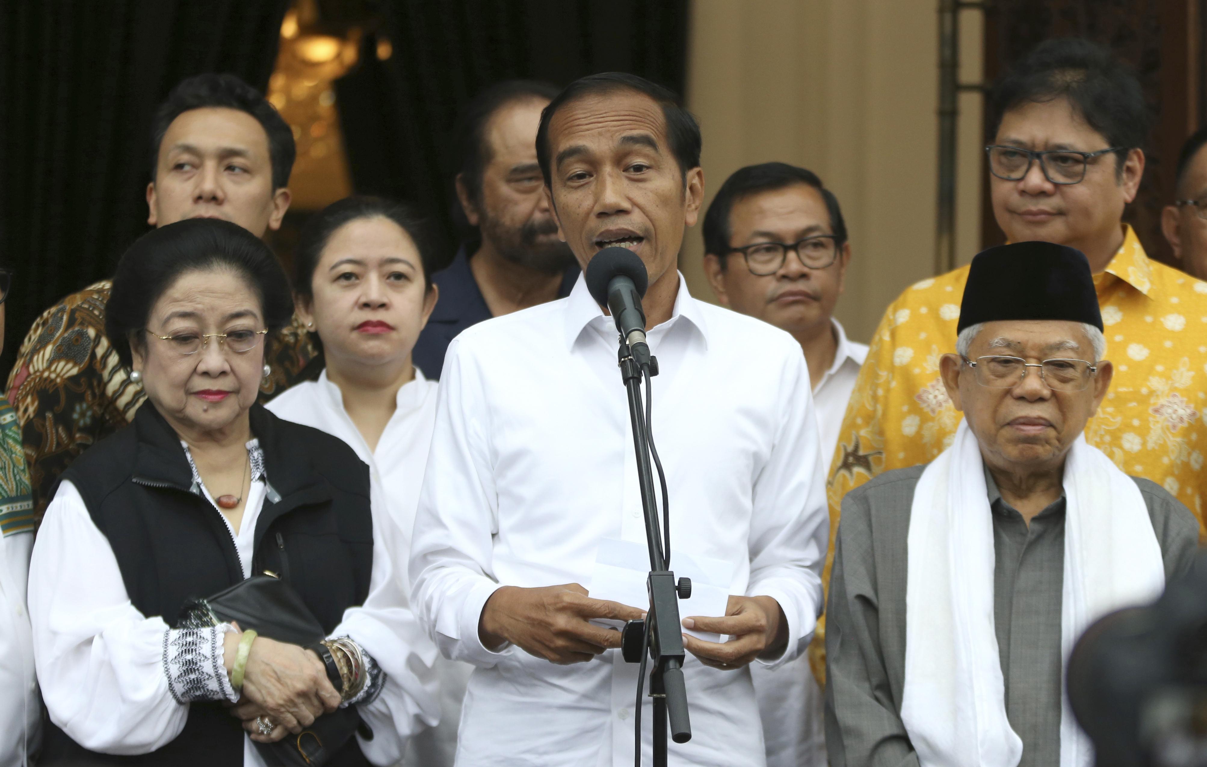 Indonesian President Joko Widodo (C) <Photo: Yonhap News>