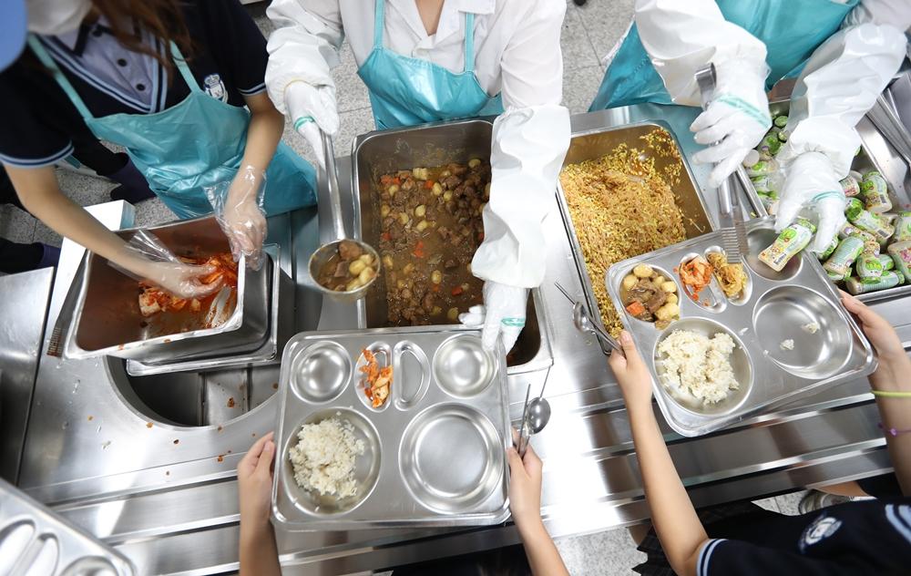 고등학교 급식 <사진=연합>