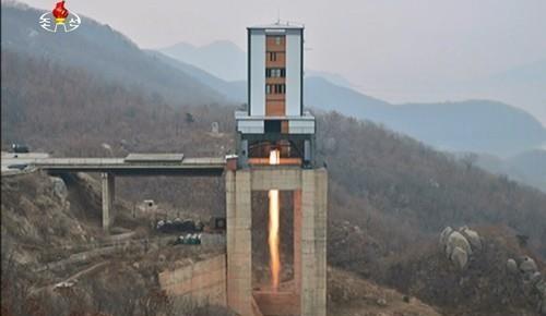 북한이 2017년 진행한 신형 고출력 로켓엔진 지상분출시험