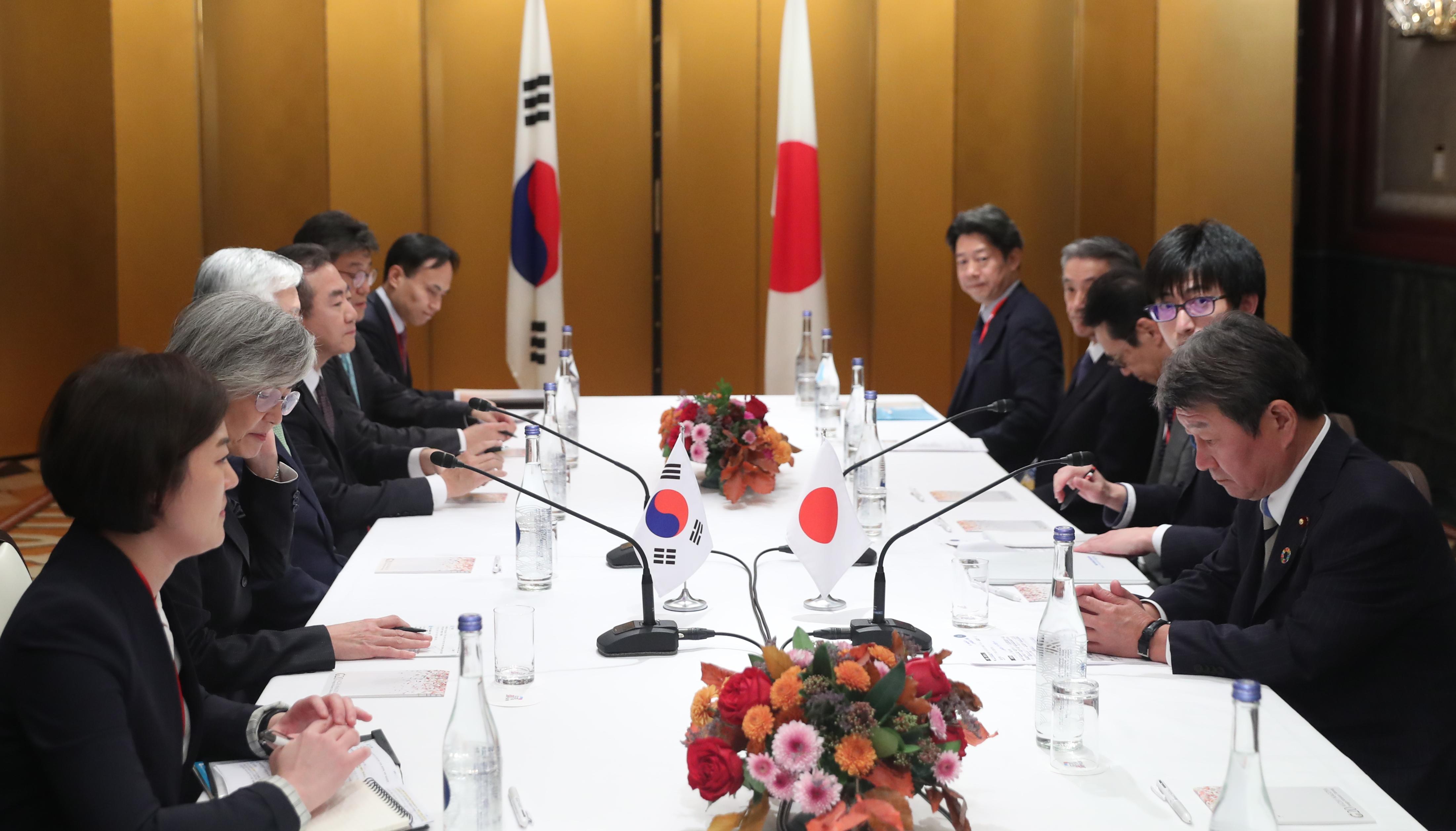 지난달 23일 일본에서 진행된 한일 외교장관 회담