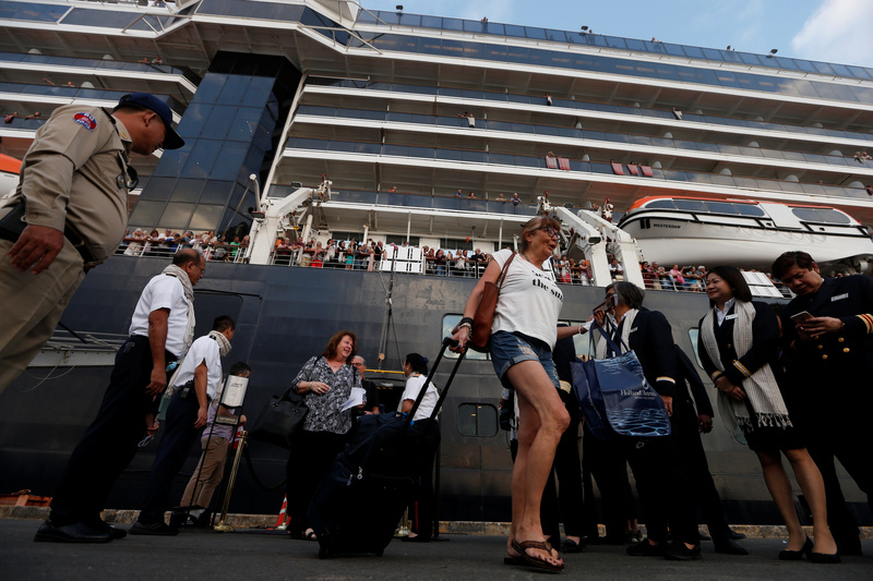 Passengers of U.S. cruise ship leave vessel in Cambodia