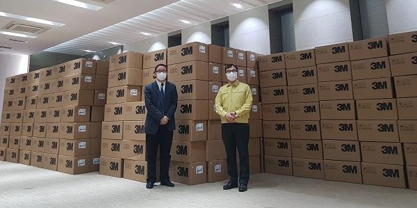 상하이시가 기증한 마스크 50만개