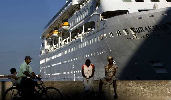 Fred Olsen Cruise Liner Braemar