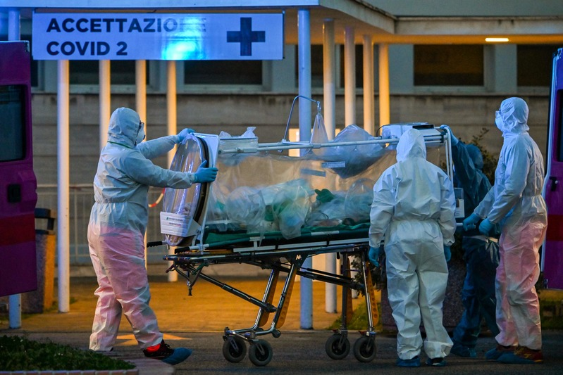 A COVID-19 patient in Italy is being hospitalized.
