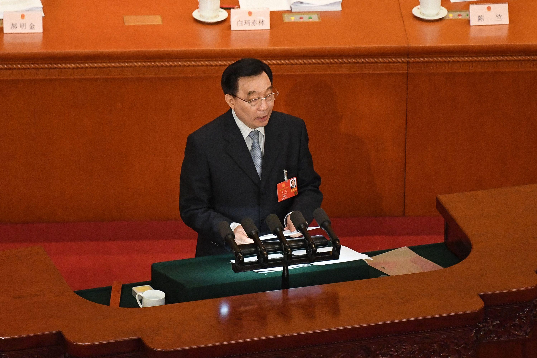 홍콩보안법 초안 설명하는 왕천 전인대 부위원장