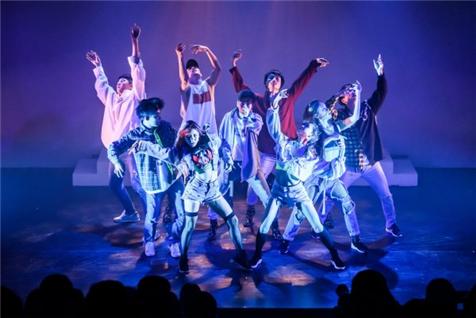 뮤지컬 '사춤2 렛츠 댄스 크레이지' <사진=TBS>