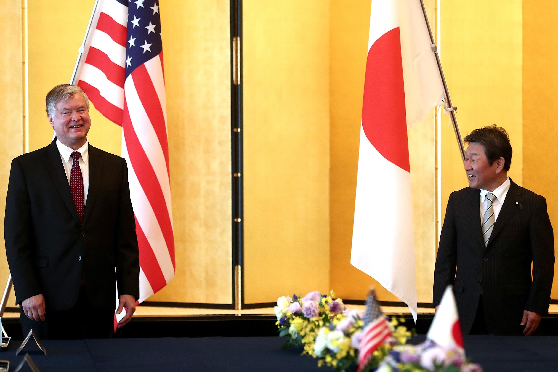 스티븐 비건 미국 국무부 -모테기 도시미쓰 일본 외무상