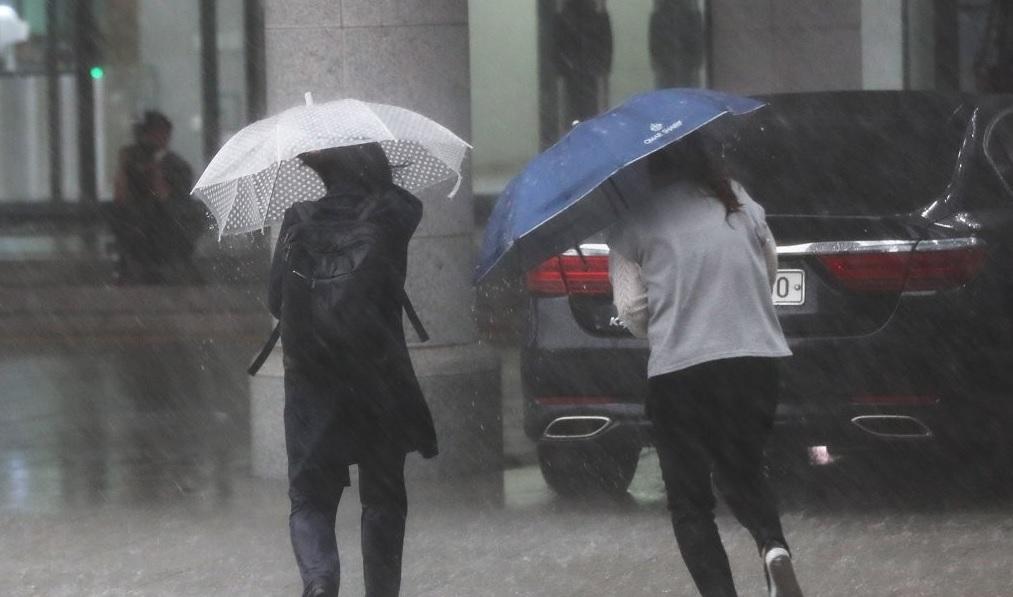 거센 폭우