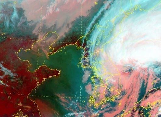 태풍위성사진