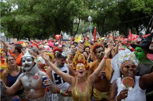 Carnival parades were held in February 2020, at the start of the COVID-19 pandemic.