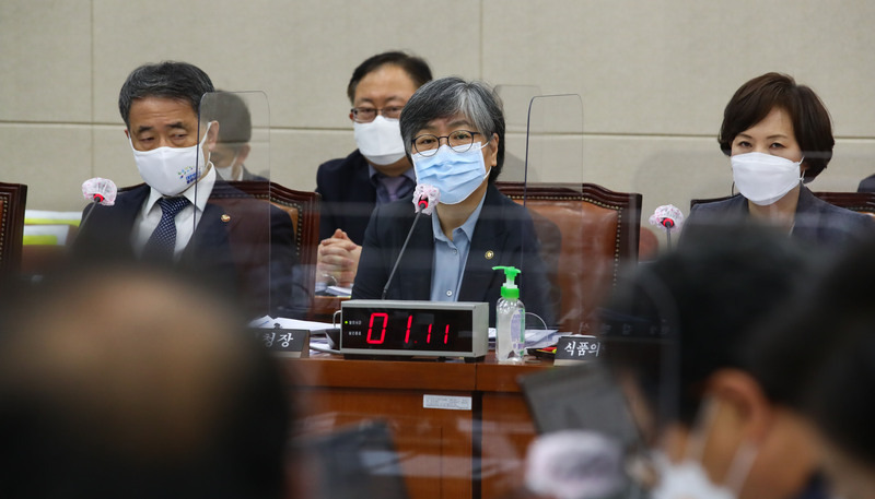 KDCA chief Jeong Eun-kyeong speaks during a parliamentary audit session on Oct. 22, 2020.