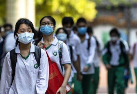 마스크 쓰고 등교하는 중국 학생들