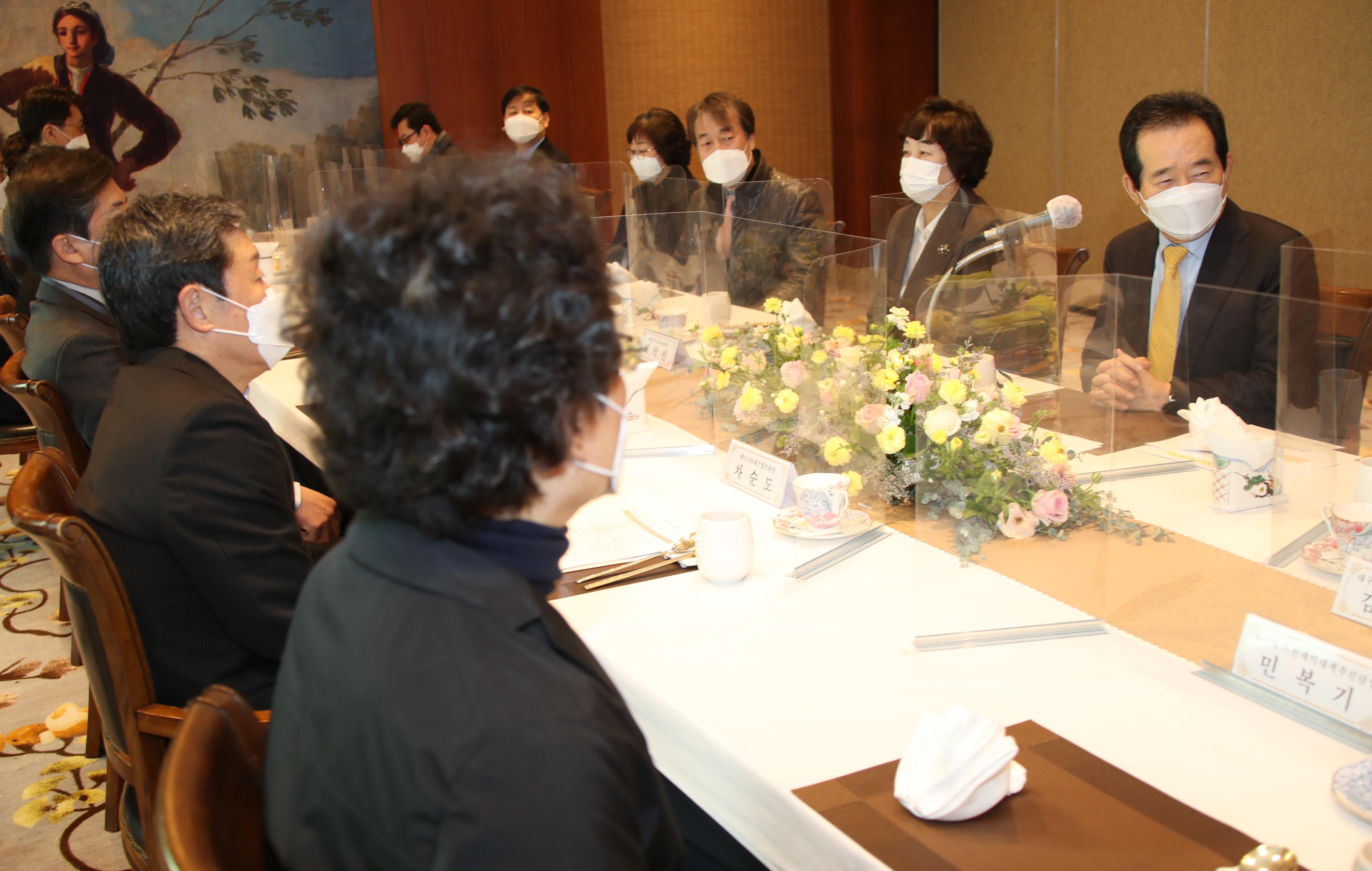 대구 의료인들 만난 정세균 국무총리