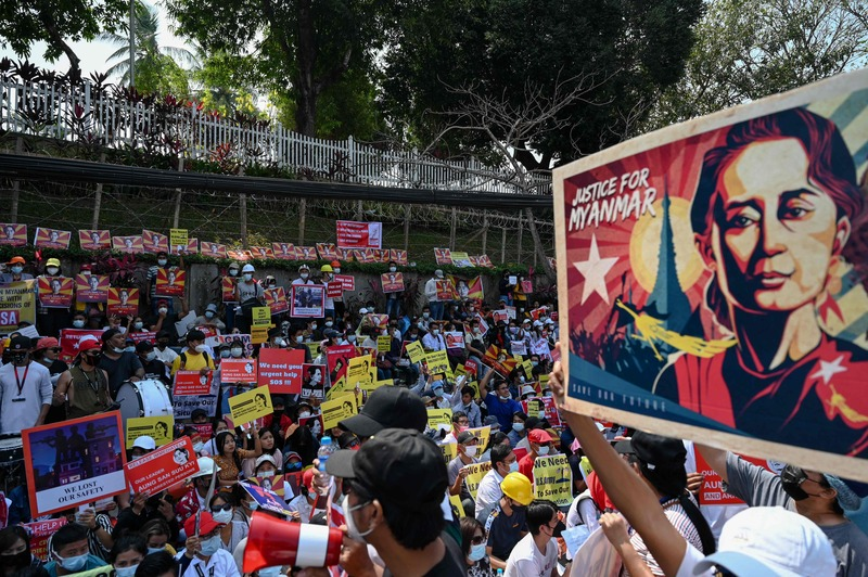 People call for the release of Myanmar leader Aung San Suu Kyi while protesting the recent military coup outside the U.S. embassy in Yangon on Feb. 15, 2021. (Photo: AFP-Yonhap News)