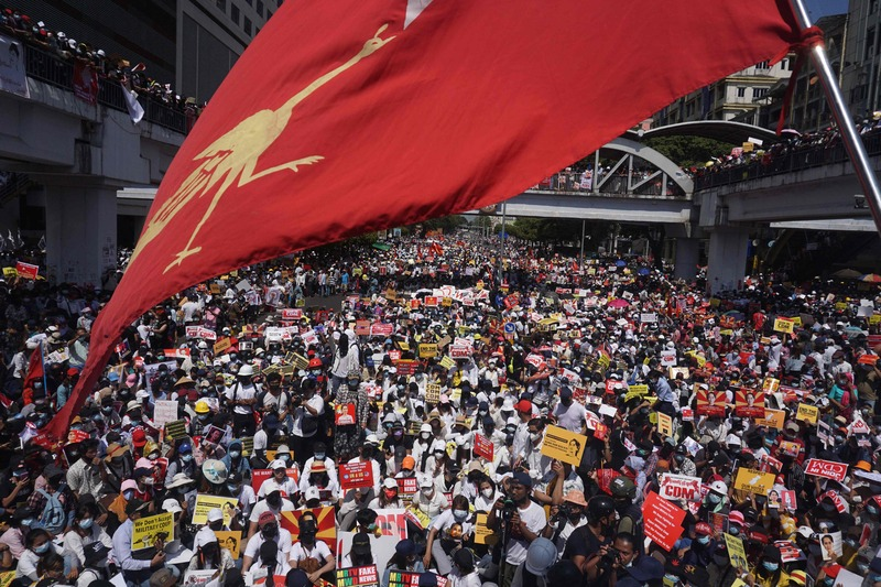 A massive crowd comes together in Myanmar's Yangon to protest the military coup on Feb. 17, 2021. (Photo: AFP-Yonhap News)