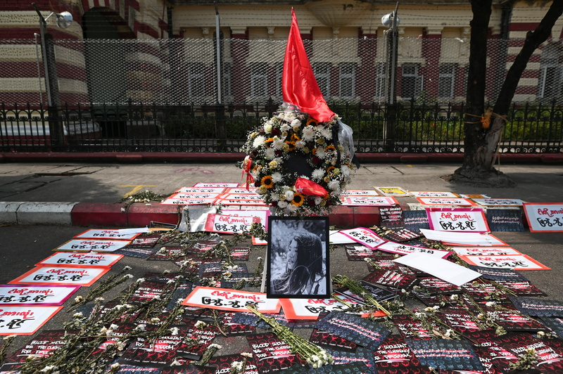 A memorial is set up in Yangon, Myanmar, for a young woman protester who died Friday after being shot by police last week in an anti-coup rally in Naypyitaw. (Photo: Reuters-Yonhap News)
