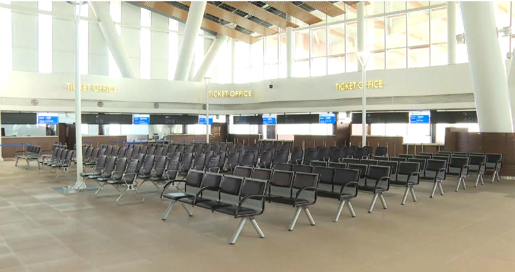 텅 빈 인천항 국제여객터미널<사진=TBS>