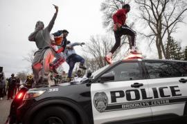 US Police Clash With Protesters After Shooting Death Of Another Black Man