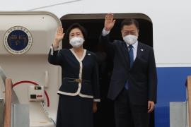 Moon First Lady Depart for UK
