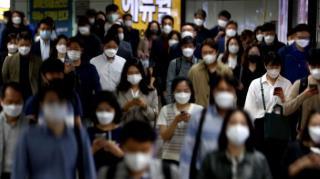 Gwanghawmun station social distancing masks